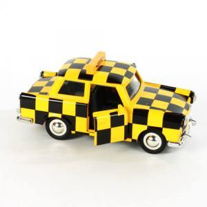sárga-kockás reptéri felvezető Trabant modellautó (1:30)